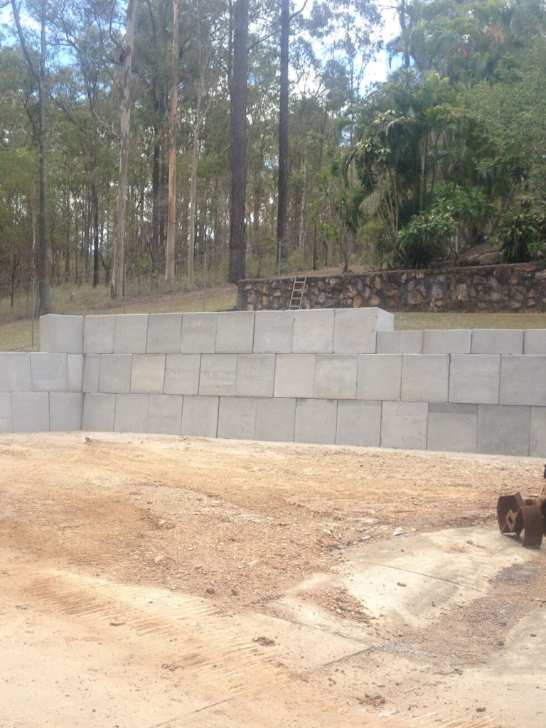 NS Earthmoving Equipments - Concrete Walls and Retaining Walls